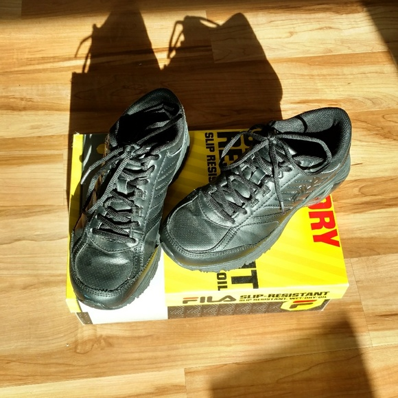 1ec160a56b Fila non-slip shoes